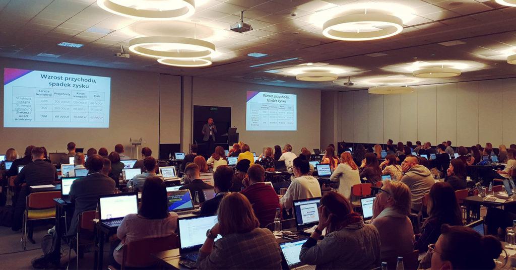 Zdjęcie sali Konferencji Analityka Internetowa w Praktyce, szkolenie prowadzi Witold Wrodarczyk Adequate