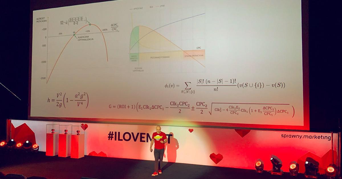 Zdjęcie z konferencji I love ads and analytics. Prezentacja Witolda Wrodarczyka.